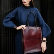 Cherry shoulderbag